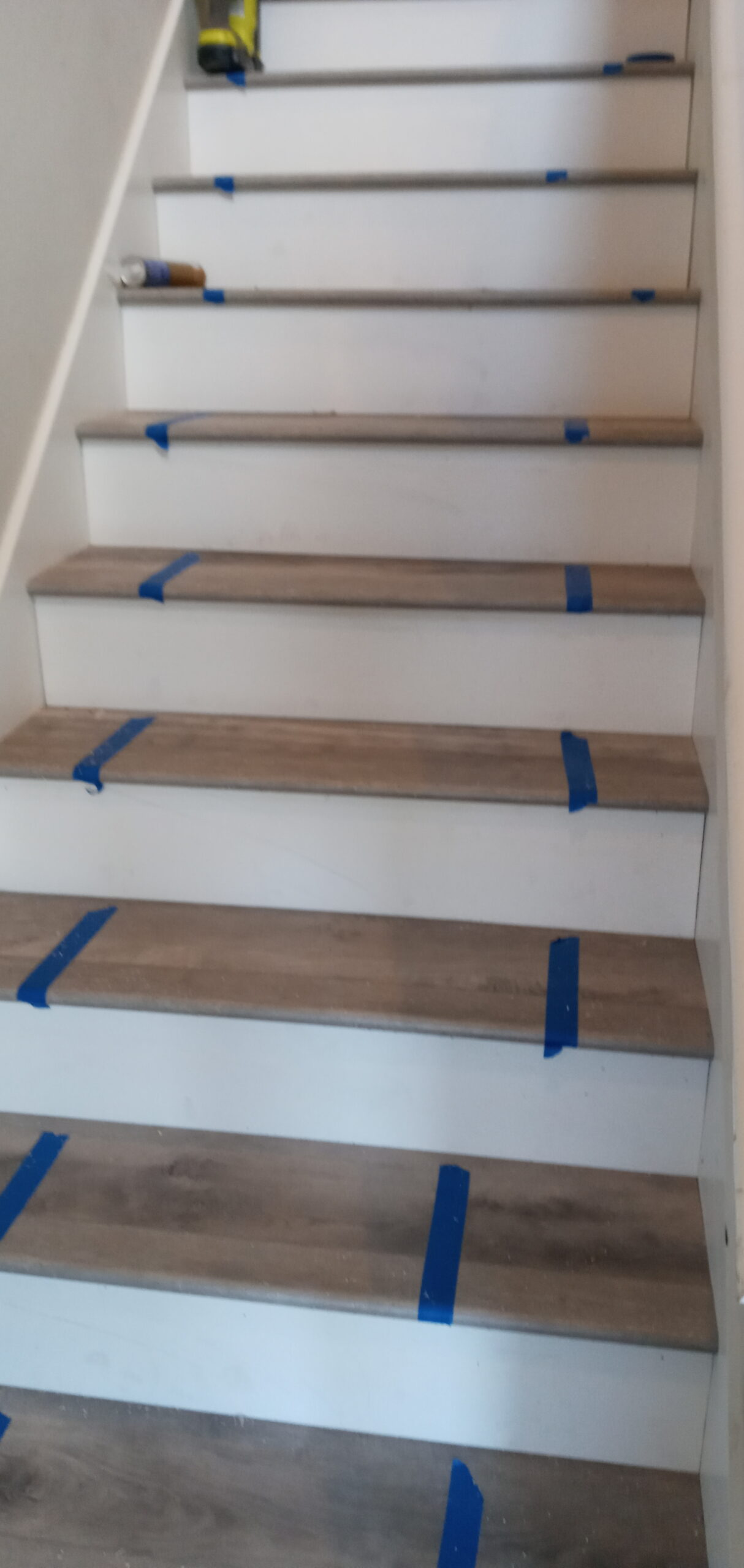 installation of wooden stairs